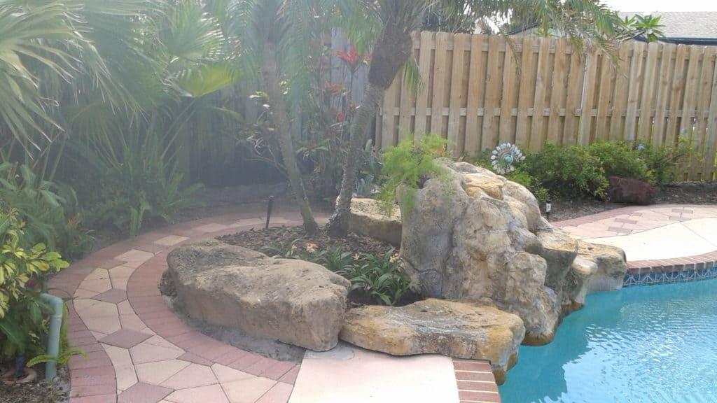 Tropical Garden - Gingham Gardens Readers' Garden Tour