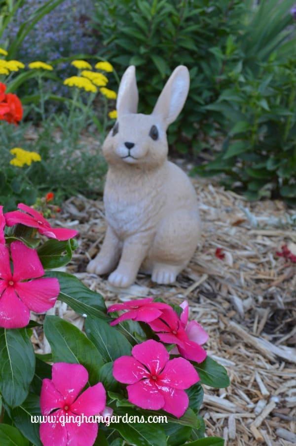 Bunny Statute - Gift Guide for Gardeners