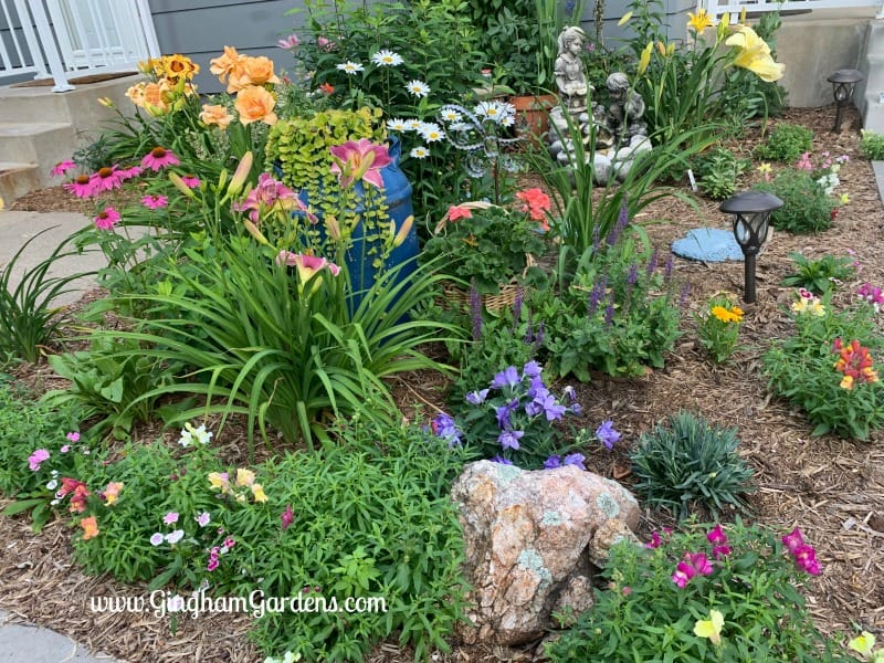 Flower Garden Ideas For Small Spaces - Gingham Gardens