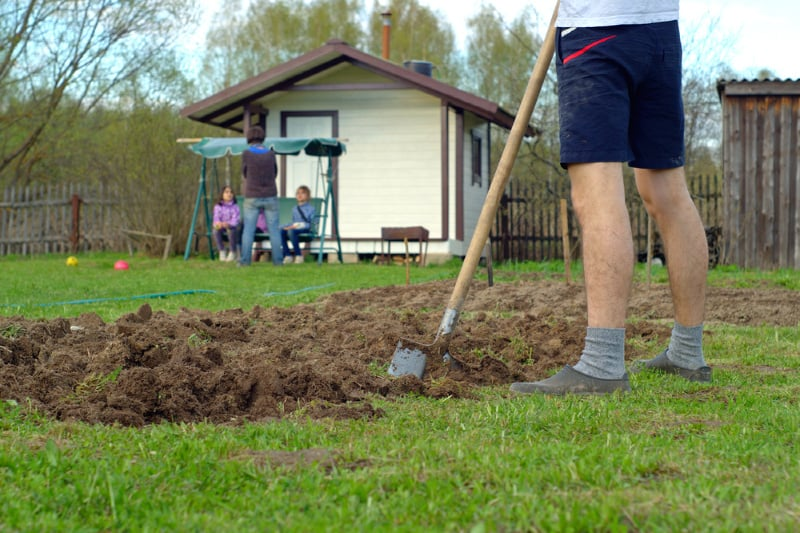 howto dig a garden bed